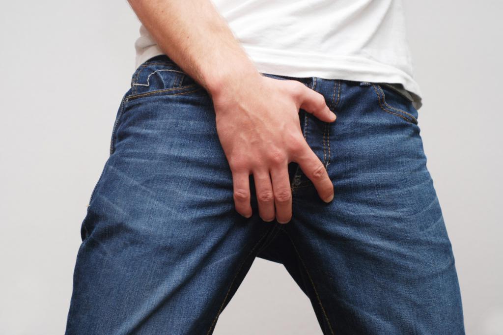 Покраснение в паху у мужчин: возможные причины и методы терапии